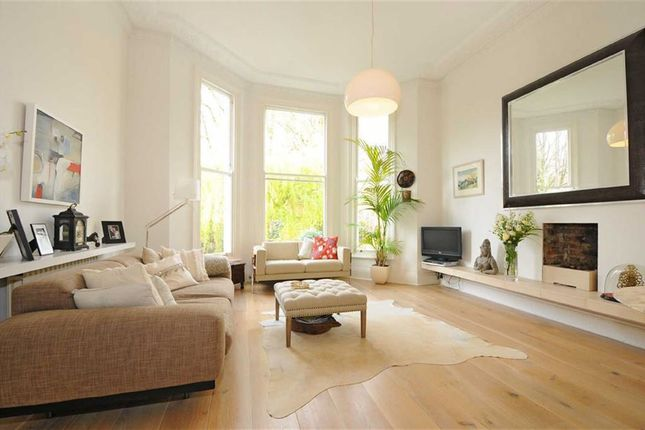 2 bed flat to rent in Fellows Road, Belsize Park, London