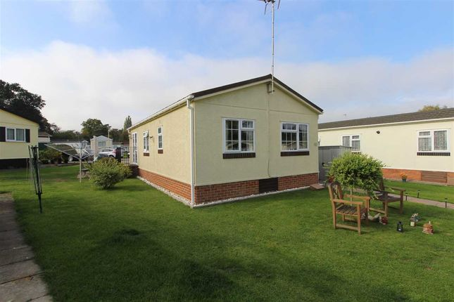 Thumbnail Property for sale in Arkley Park, Barnet Road, Barnet