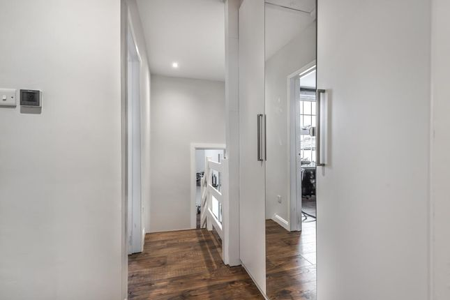 Hallway of West Street, Newbury RG14