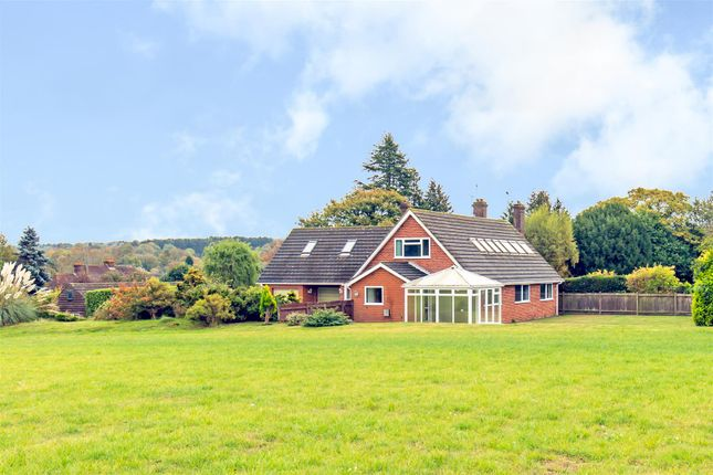 Thumbnail Detached house for sale in Buckham Thorns Road, Westerham