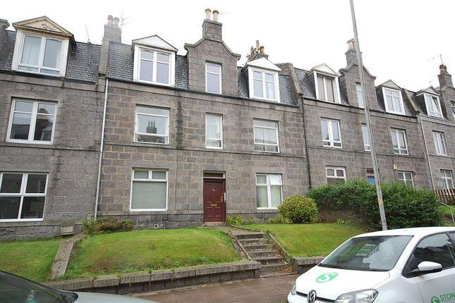 Thumbnail Flat to rent in Walker Road, Top Floor Left, Torry, Aberdeen