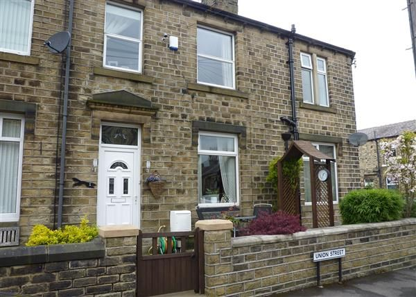 Thumbnail End terrace house for sale in Union Street, Slaithwaite, Huddersfield
