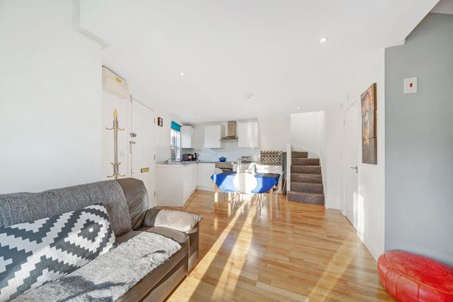 Thumbnail Town house for sale in Leghorn Road, Willesden Junction, London