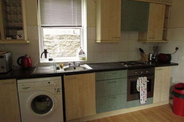 Thumbnail Property to rent in Mountjoy Road, Huddersfield