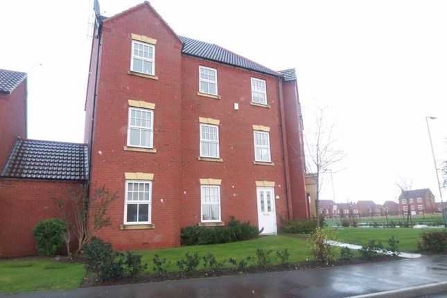 Thumbnail Flat to rent in Price Close East, Chase Meadow Square, Warwick