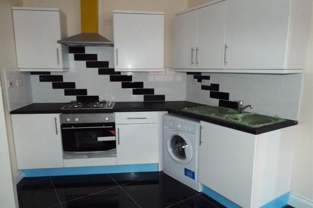 1 bed flat to rent in Christchurch Road, Bournemouth
