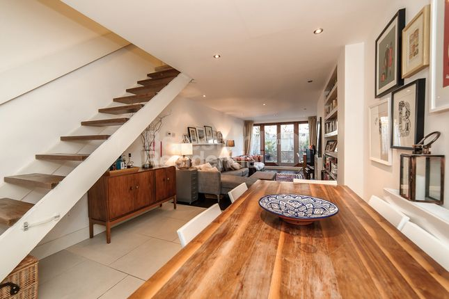 Thumbnail Maisonette to rent in Camberwell Church Street, London