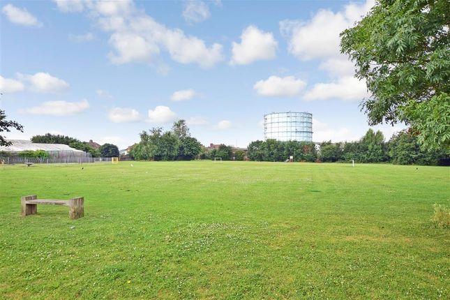 3 bed end terrace house for sale in Linden Park, Littlehampton, West Sussex