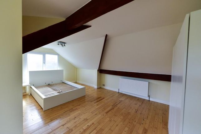 Thumbnail Property to rent in Buckstone Oval, Leeds