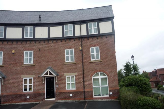 Thumbnail Flat to rent in Holly Farm Court, Widnes