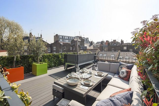 Thumbnail Mews house for sale in Oldbury Place, Marylebone Village, London