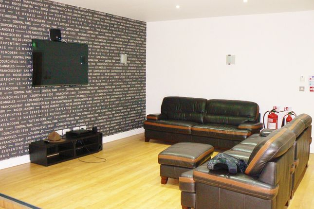 6 bed property to rent in Mansel Street, Swansea
