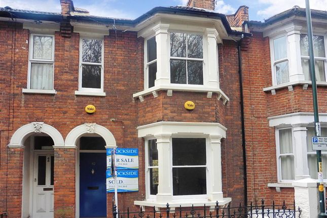 Thumbnail Flat for sale in Boundary Road, Chatham, Kent