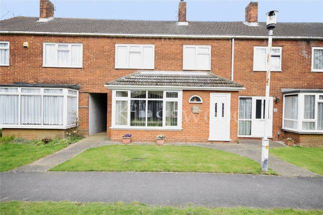 3 bed terraced house to rent in Fauners, Basildon, Essex SS16