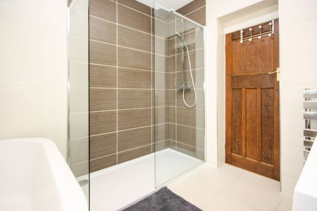 En-Suite of Mile End Road, Colchester CO4