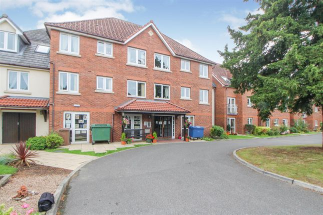 Thumbnail Flat for sale in Easterfield Court, Driffield