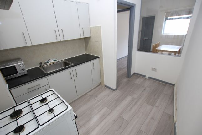 Thumbnail Flat to rent in Hermitage Road, London