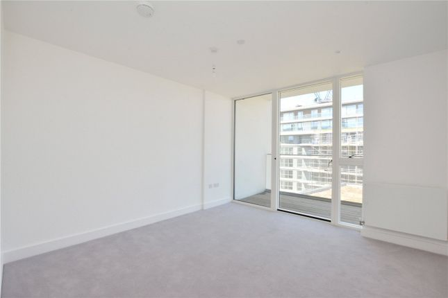 Picture No. 14 of Wyndham Apartments, 67 River Gardens Walk, Greenwich, London SE10