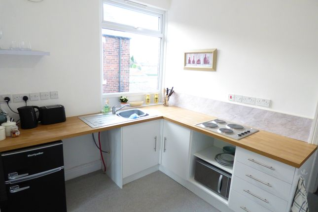 Thumbnail Studio to rent in Hilltop, Knottingley, West Yorkshire