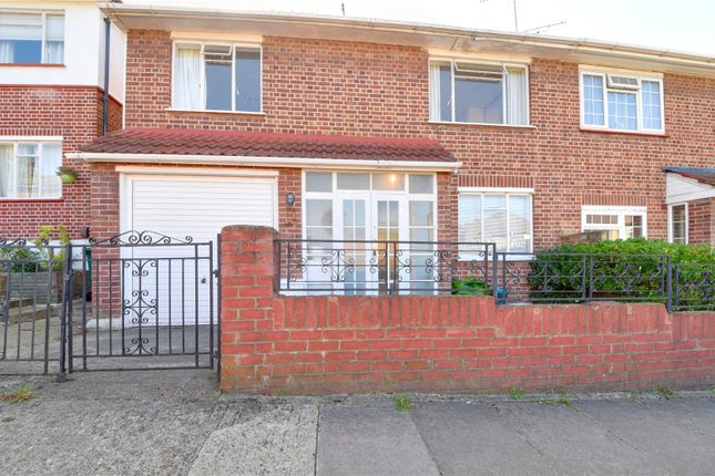 Picture No. 03 of Howcroft Crescent, London N3