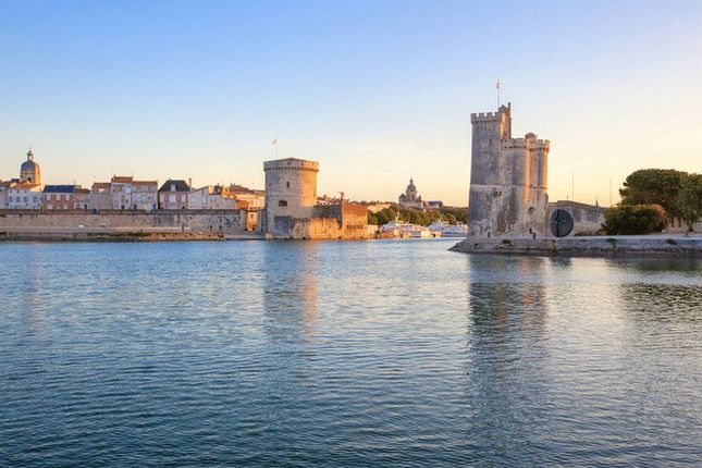 Thumbnail Apartment for sale in La Rochelle, Charent Maritime, France