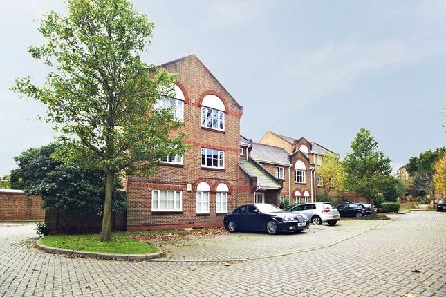 Picture No. 06 of Catherine Drive, Richmond, Surrey TW9