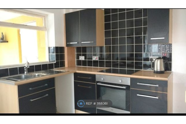 2 bed semi-detached house to rent in Beaver Close, Wolverhampton WV11
