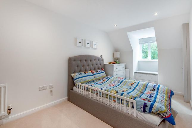 Bedroom 5 of Sika Gardens, Three Mile Cross, Reading RG7