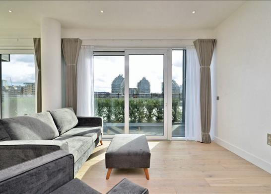Thumbnail Flat to rent in Westbourne Apartments, Fulham Riverside, London