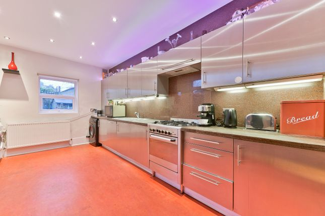 Thumbnail Terraced house for sale in Lewin Rd, Streatham