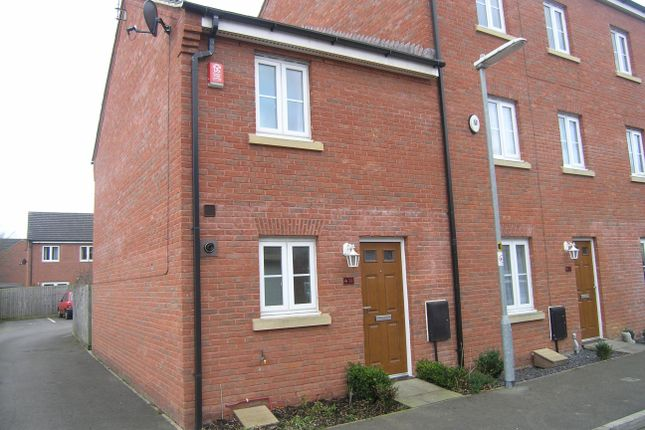 2 bed property to rent in Middlefield Road, Allington, Chippenham SN14