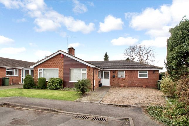 Thumbnail Bungalow for sale in Rectory Meadow, Chinnor
