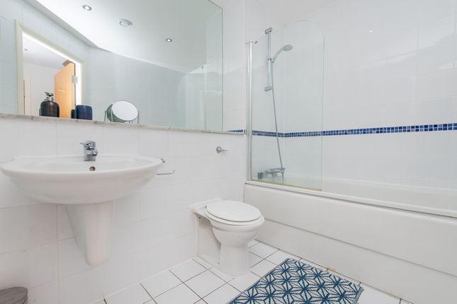 Bathroom of Flat 133, 3, Whitehall Quay, Leeds LS1