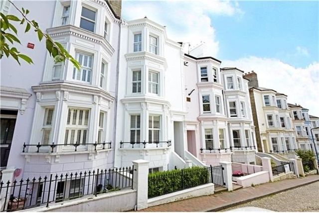 Thumbnail Town house to rent in Beautiful Four Bedroom Terraced House, South Grove