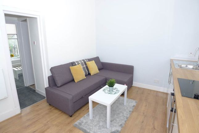 Fine Flats To Rent In Ballantrae Place Dundee Dd4 Renting In Andrewgaddart Wooden Chair Designs For Living Room Andrewgaddartcom