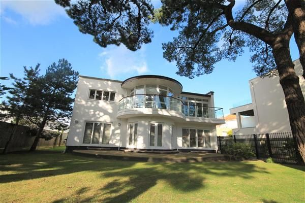Thumbnail Detached house to rent in Panorama Road, Sandbanks, Poole