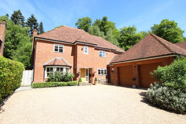 Thumbnail Detached house for sale in Baron Way, Kingwood, Henley-On-Thames