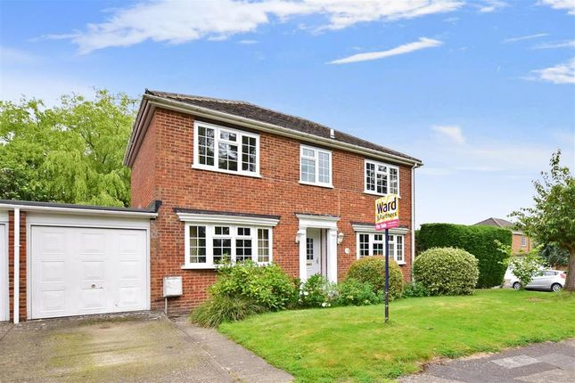 Thumbnail Link-detached house for sale in Mountfield Close, Meopham, Kent