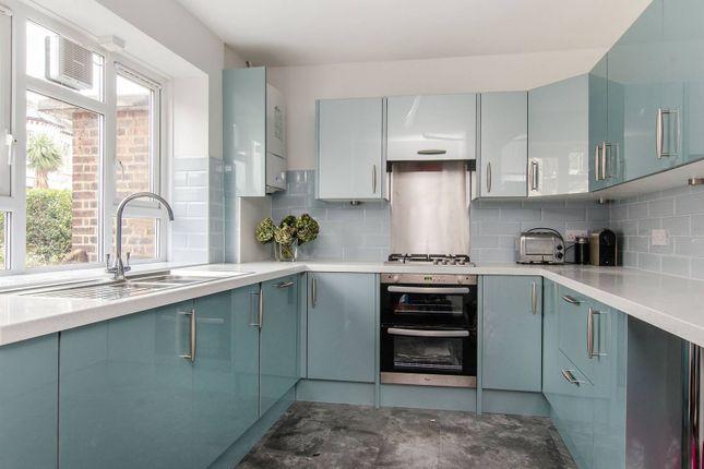 Thumbnail Maisonette to rent in Lavender Sweep, Clapham Junction
