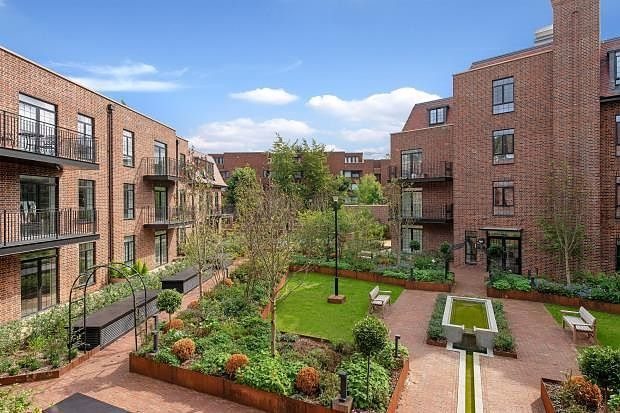 Thumbnail Flat to rent in Hampstead Reach, Chandos Way, Golders Green, London