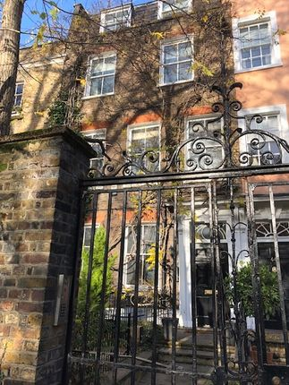 Thumbnail Town house for sale in Kensington Square, London