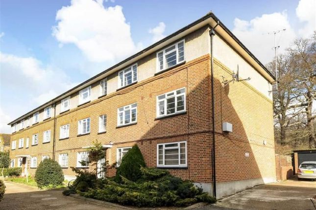 Flat to rent in Wilmer Crescent, Kingston Upon Thames