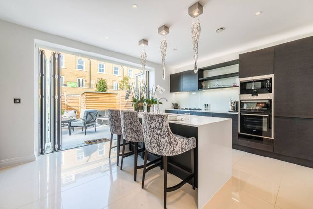Thumbnail Terraced house for sale in Brewery Gate, Twickenham