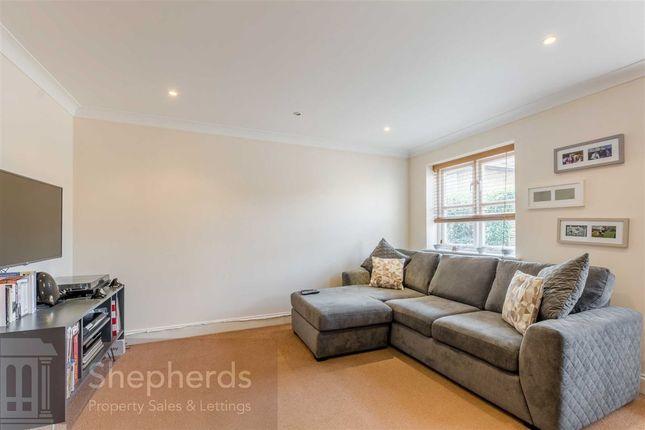 Thumbnail Flat to rent in Brocket Court, Hoddesdon, Hertfordshire