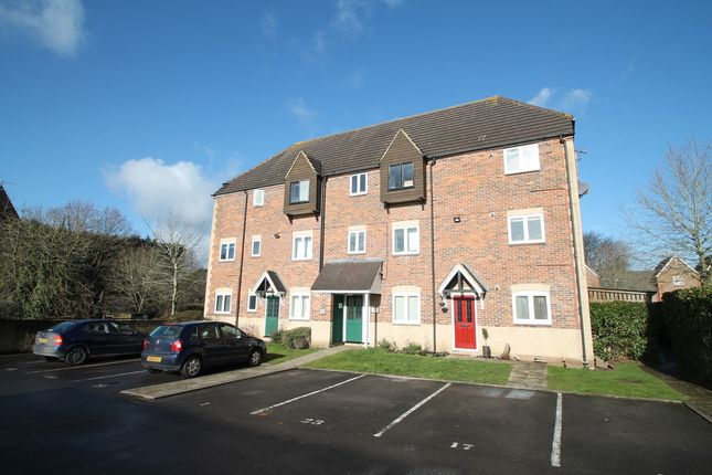Thumbnail Flat to rent in Willow Brook, Abingdon