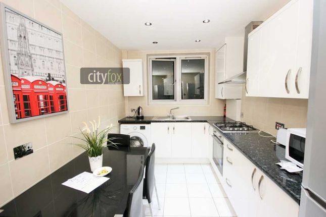 Thumbnail Flat to rent in Maddocks House, Cornwall Street, Shadwell