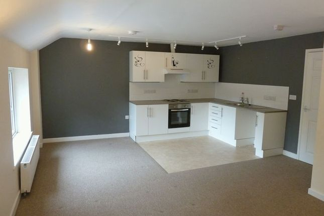 Thumbnail Flat for sale in Market Place, Camelford