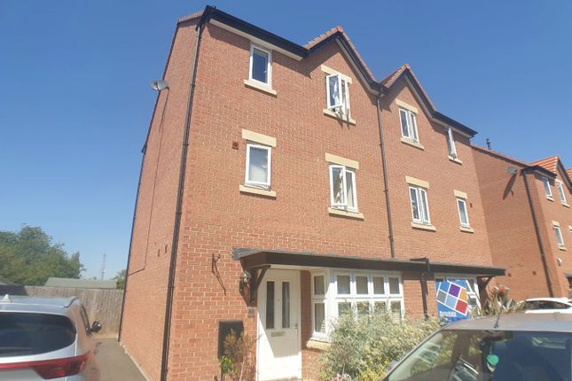 4 bed semi-detached house to rent in Great Northern Gardens, Bourne PE10