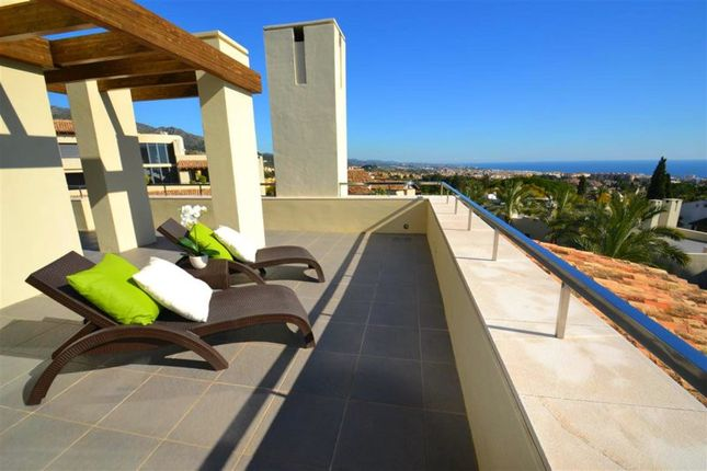 Thumbnail Penthouse for sale in Marbella, Málaga, Spain