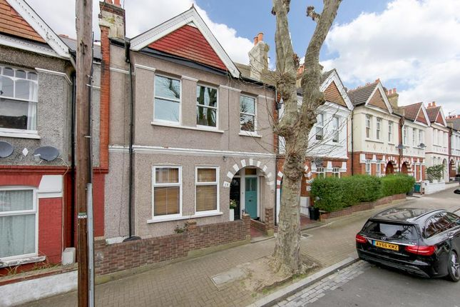 Thumbnail Flat for sale in Idlecombe Road, London